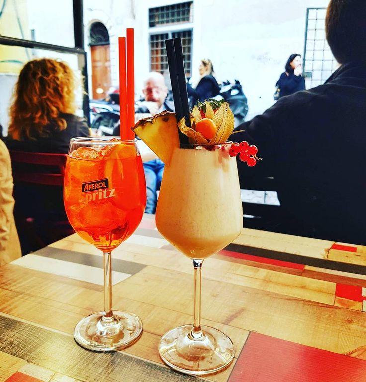 Ai ai... Quanto eu gosto desse momento... Salute! . Tem post no blog falando de como funciona o aperitivo aqui em Roma: emroma.com/aperitivo . Alguém fez aperitivo aqui em Roma? Me taga #emroma. . . Lembre-se que nós fazemos o seu roteiro personalizado em Roma organizamos o seu transfer do/para o aeroporto e também sua hospedagem! info@emroma.com . Veja mais no Snapchat Em_Roma #Roma #europe #instatravel #eurotrip #italia #italy #rome #trip #travelling #snapchat #emroma #viagem #dicas…