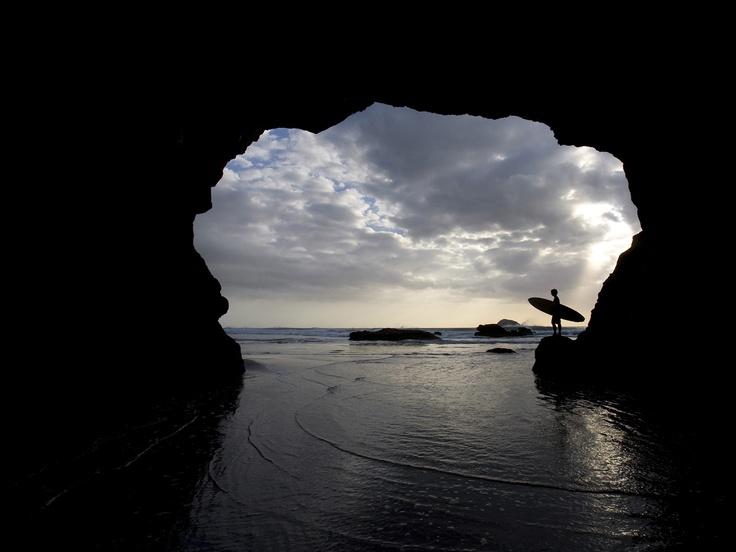 Muriwai Beach, North Island, New Zealand: Fav Surfing, Beaches Sea, New Zealand Surfing Beaches, Surfing Rules, Caves, Beaches Surfing, North Islands, Muriwai Beaches, Surfing S
