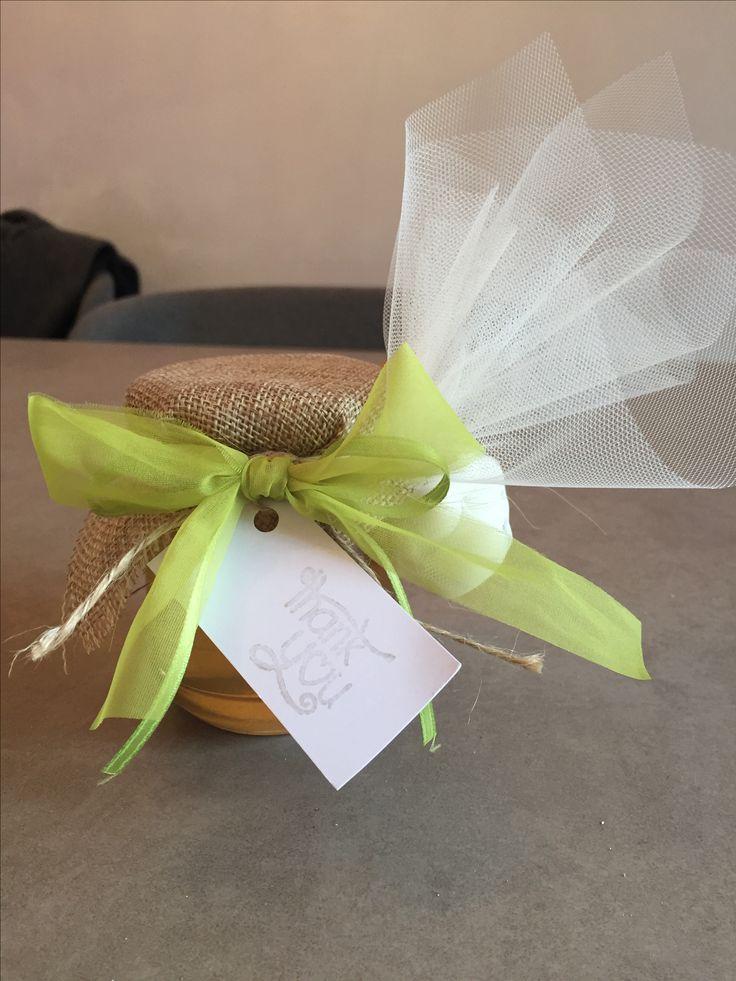 Bomboniera gastronomica miele #greenery #bombonieragastronomica #miele #bomboniera #verde #confetti #tulle #yuta