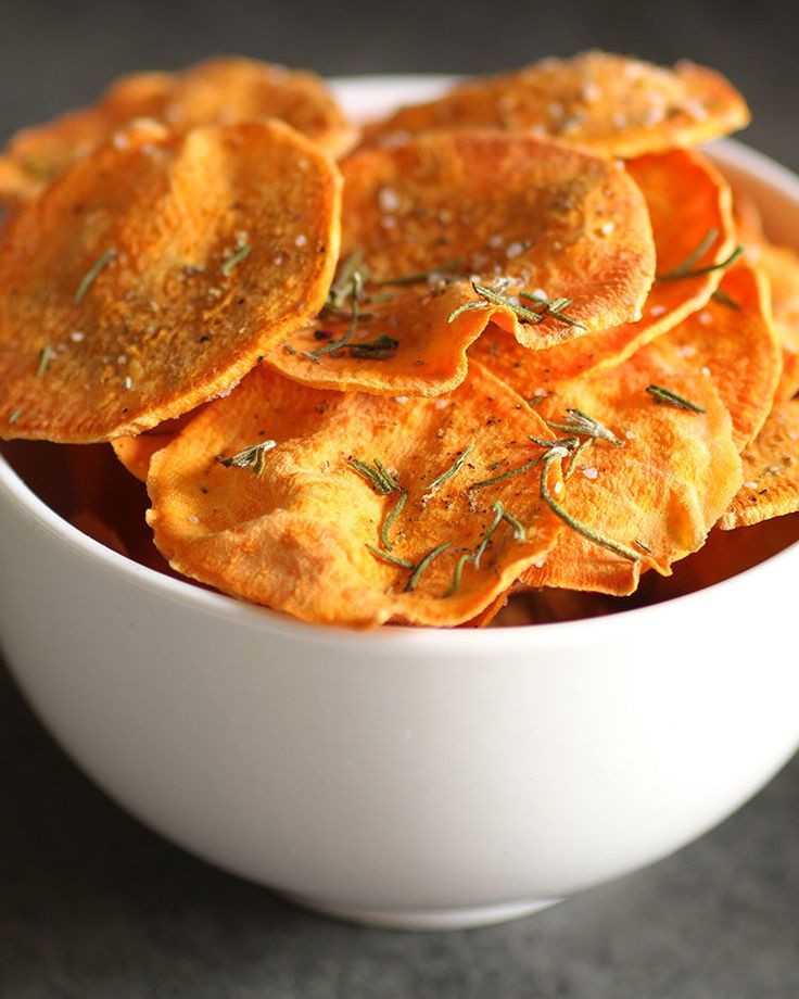 10. Microwave Sweet Potato Chips #healthy #quick #recipes http://greatist.com/health/surprising-healthy-microwave-recipes