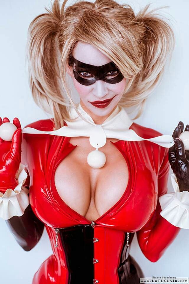 Harley quinn cosplay latex bianca beauchamp porrn star showing her big boobs