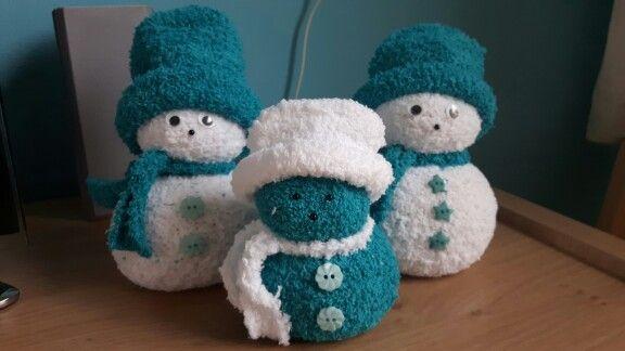 Leuke sneeuwpopjes van sokken