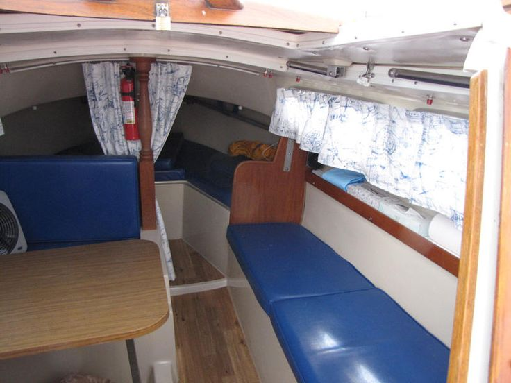 Catalina 22 Interior w/ synthetic flooring