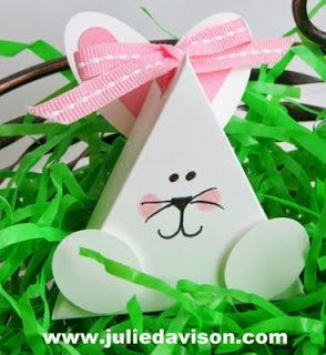 Video tutorial for 3D Triangle Treat Box * Punch Art Bunny #easter #stampinup www.juliedavison.com