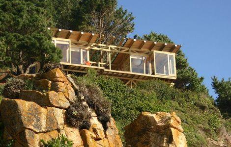 » Une maison sur la falaise.<==