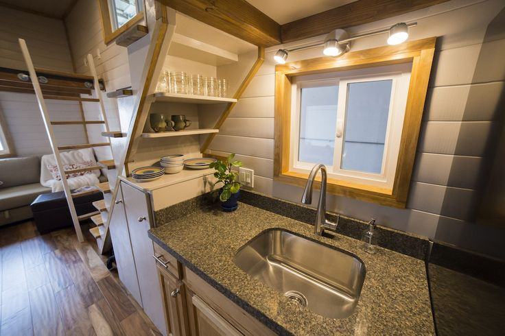 26-feet-big-freedom-tiny-house-3