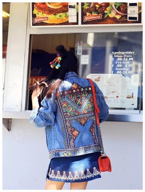 Meet your new best friend! OMG girls wij hebben dit spijker jasje gespot in Parijs. Wie durft? So pretty.