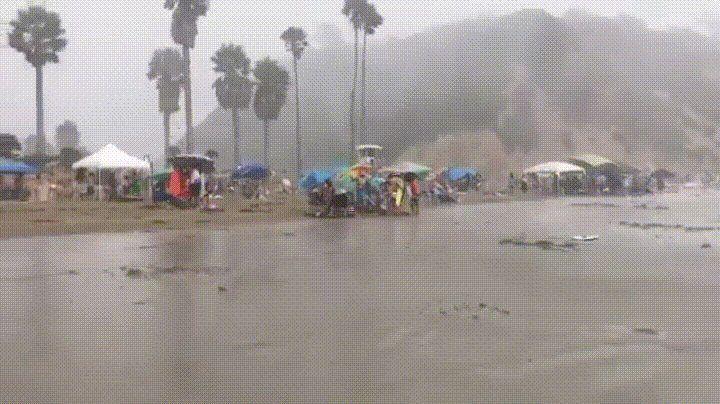 The beach in Santa Barbara this Labor Day Weekend. http://ift.tt/2xIaZEv