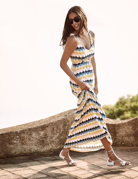 Wandering around in a maxi is so easy . No worries about shorts/legs on show, just easy elegance...