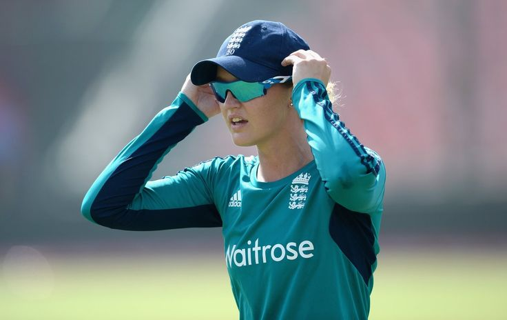 England wicketkeeper-batter Sarah Taylor takes break to deal with anxiety - article by Joe Wilson, BBC News sports correspondent - Women's Cricket - June 8, 2016