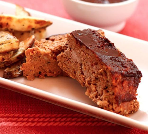 15 Creative Meatloaf Recipes | Delicious Homemade Recipes by Pioneer Settler at http://pioneersettler.com/best-meatloaf-recipes/