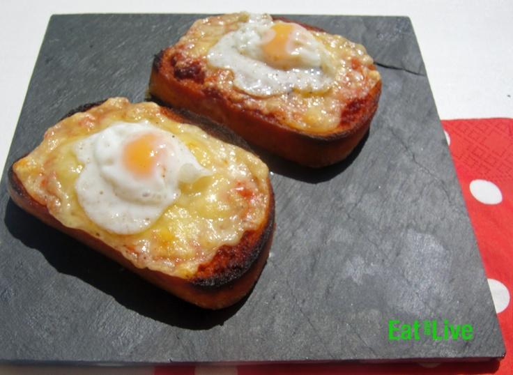Eat & Live: Tostas con sobrasada, queso y huevo de codorniz