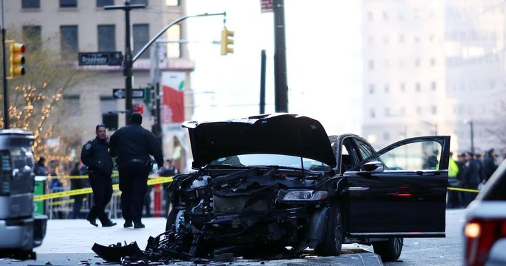 Six people hurt after cab driver plowed through City Hall  http://www.nydailynews.com/new-york/manhattan/people-hurt-cab-driver-plowed-city-hall-article-1.3683971
