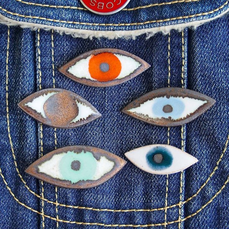 Are you interested in our Eye pin badge? With our handmade ceramic pin badge you need look no further.