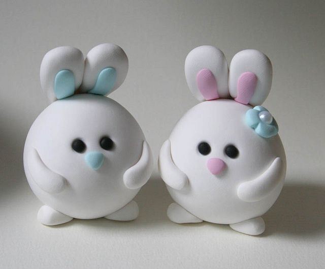 Round Bunny Wedding Cake Topper, via Flickr.