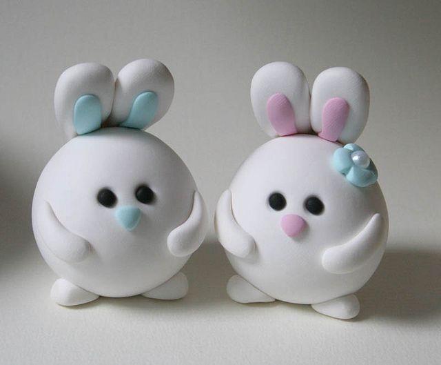 Conejitos, pareja - Round Bunny Wedding Cake Topper by fliepsiebieps1, via Flickr