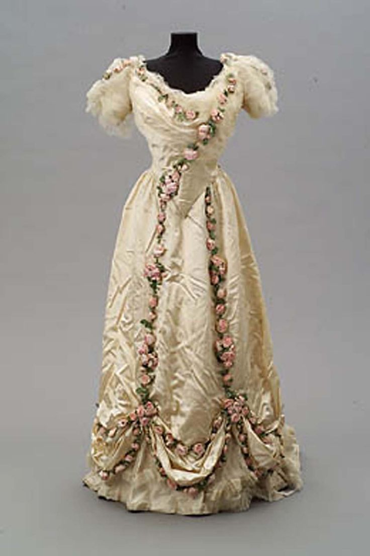 Evening dress | House of Worth | France; Paris | 1907 | silk, net | Museum of Fine Arts, Boston | Accession #: 1999.84