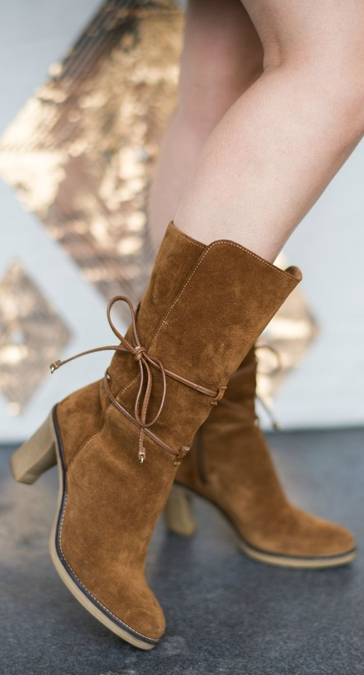 The perfect fall boots! These Johnston & Murphy are the bomb.com. They're the most  beautiful cognac suede heeled boots I've seen, and I love the cute lace-up bow. Click through to see this casual fall outfit idea from Florida fashion blogger Ashley Brooke Nicholas