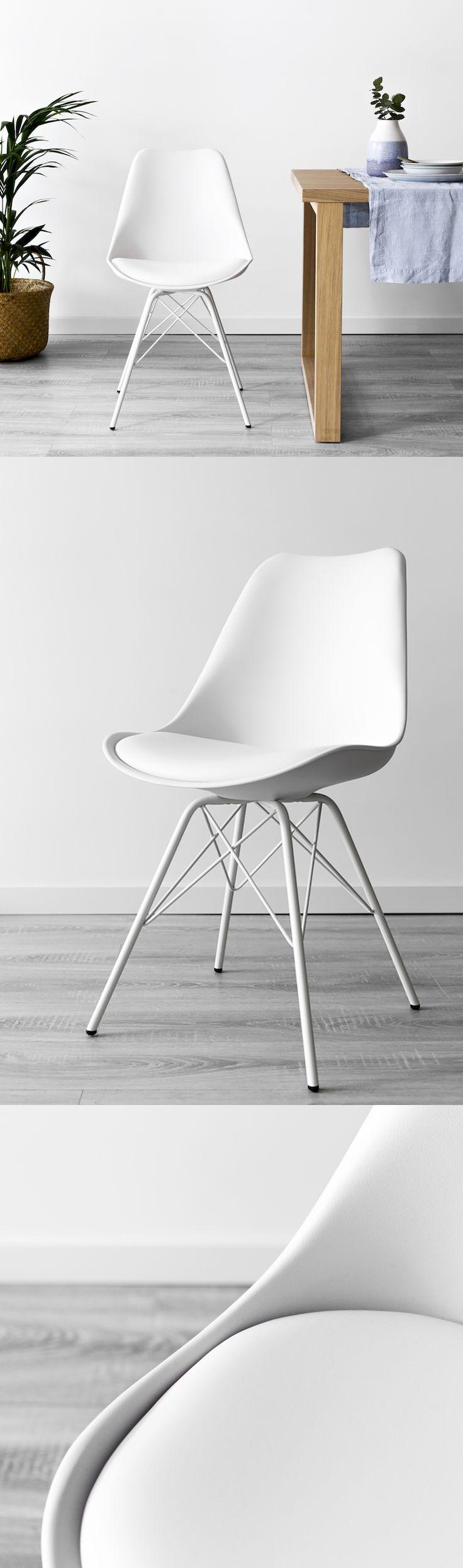 Silla blanca con patas metálicas Rass | Una original silla de polipropileno con asiento tapizado en piel sintética y patas de acero pintado en epoxy. Esta silla pertenece a la colección Rass, ¡una perfecta renovación de un clásico!  #kenayhome #home #silla #blanca #metal #plástico #rass #diseño #interior #nórdico #clásico #limpio #luz #deco #decoración #hogar #salón #comedor #cocina