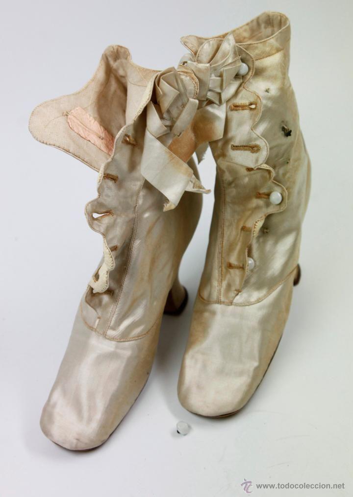 Vintage: pareja de zapatos antiguos 1900's largo de plata: 23 cm. de largo, ver fotos anexas.