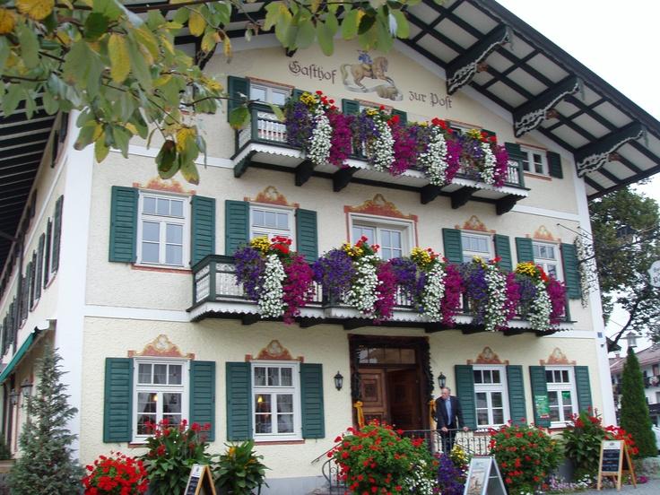Blumenschmuck am Gasthaus #Tegernsee