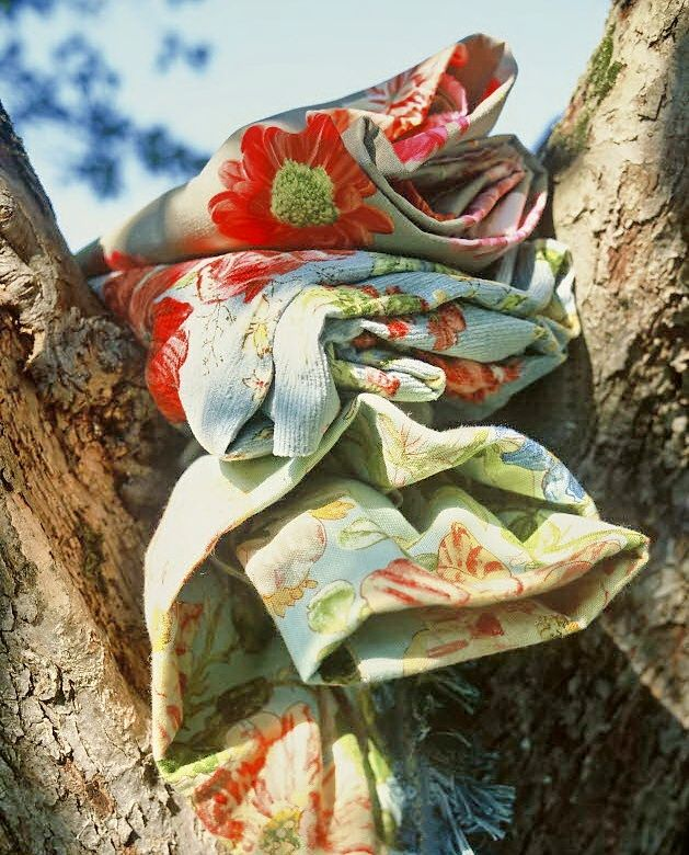 ~: Cottages Style, Fabulous Fabrics, Beautiful Fabrics, Fashion Prints, Catch Colors, Rugs Pillows, Fabrics Linens