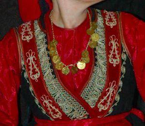 Η Βλάχικη φορεσιά του Ανατολικού Βερμίου - Γιορτινή φορεσιά / The Vlach costume East Vermios - Festive costume