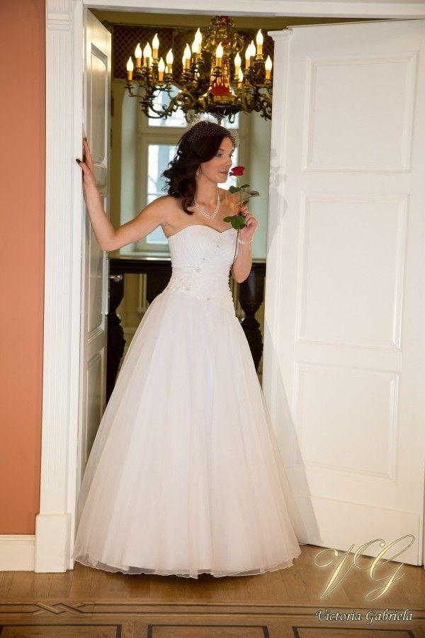 Suknia ślubna nr 6 z kolekcji Toscana #victoriagabriela #weddingdress