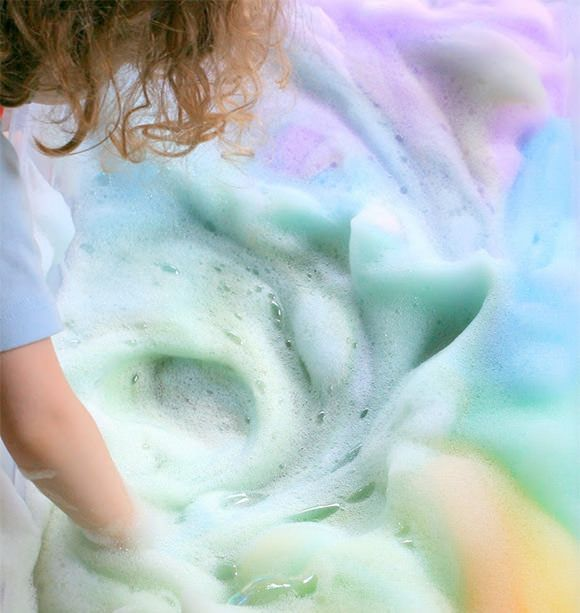 Great for teaching colours!! . DIY Rainbow Soap Foam Sensory Craft for Toddlers