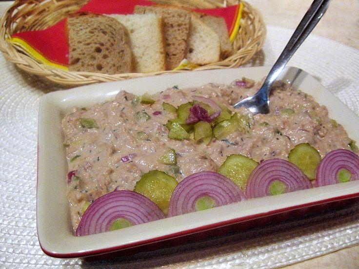 Pasta de ton cu ceapa rosie si castraveciori