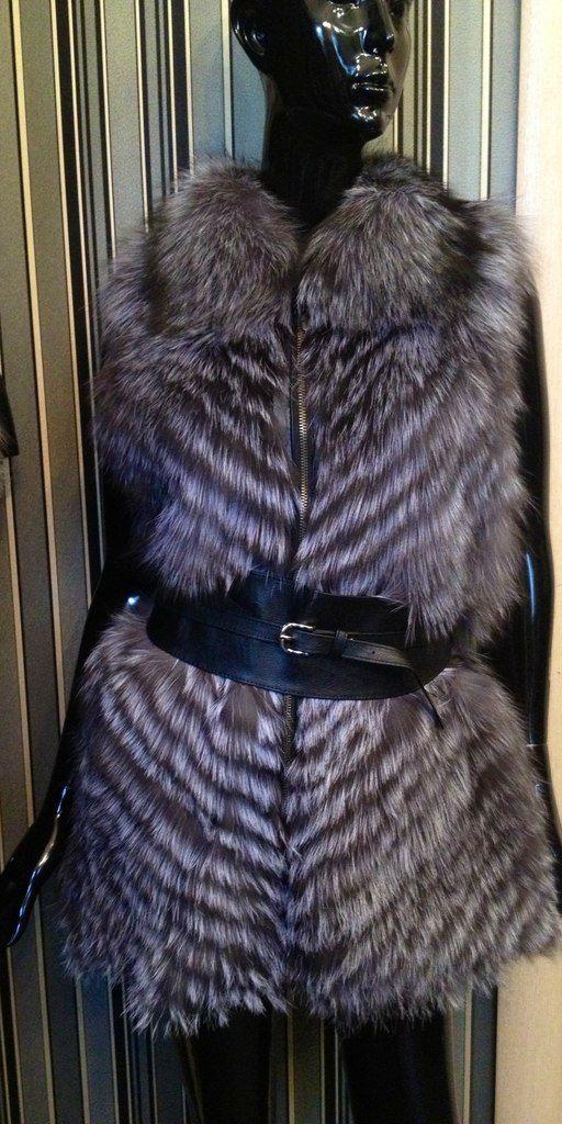Меховая жилетка из чернобурки Цена со скидкой 8 000 Размер 42,44,46 #мех#меховая жилетка#шуба#меховой жилет#чернобурка