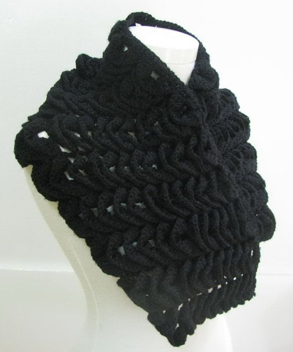 Black Capelet crochet Capelet  Lace Capelet   by knittingwomen