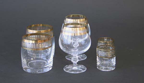 18 krystallglass, 1900talls   Bohemia, Tjekkia  Munnblåst med gulldekor. Cognac,whisky,snaps