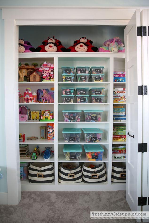 organized-playroom-closet-634x951