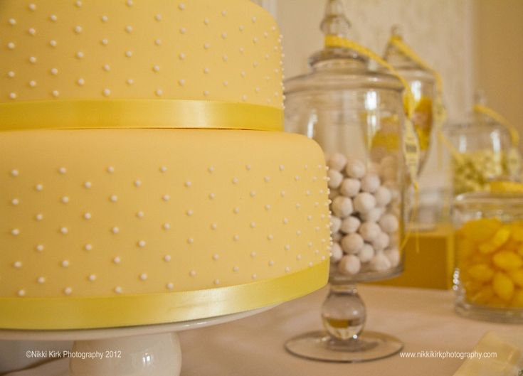 Lemon/ yellow tiered cake