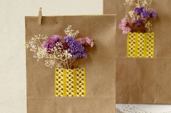 gift-wrapping-ideas-with-washi-tape-morecozy-5