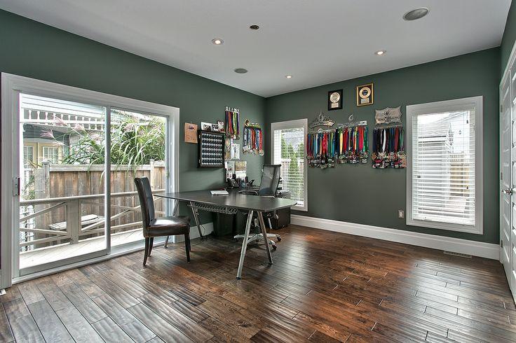 Main Floor Office / Bedroom