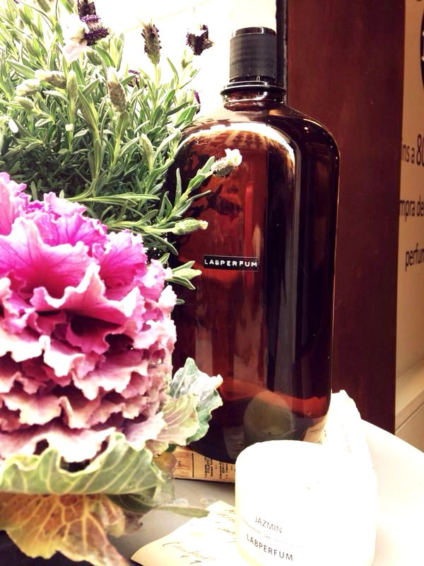 La primavera nos inspira #perfumes #creaciones #perfumesdeautor #labperfum #primavera #spring
