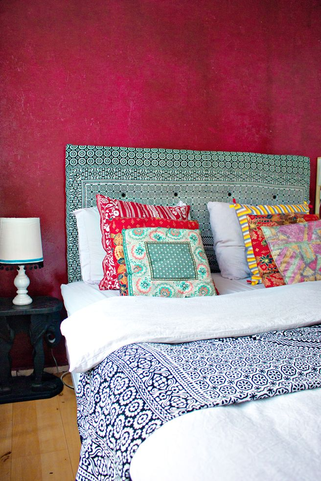 DIY: canvas headboard: that wall color though