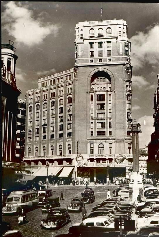 hacia 1950 - 1960, plaza de callao.