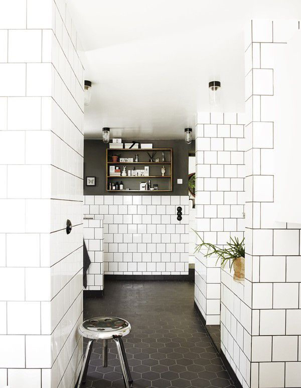 Bathroom Subway Tile Dark Grout