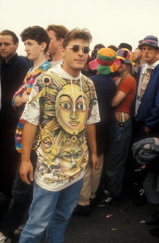 Indie raver queueing outside a rave, UK, 1992 Ted Polhemus/ PYMCA