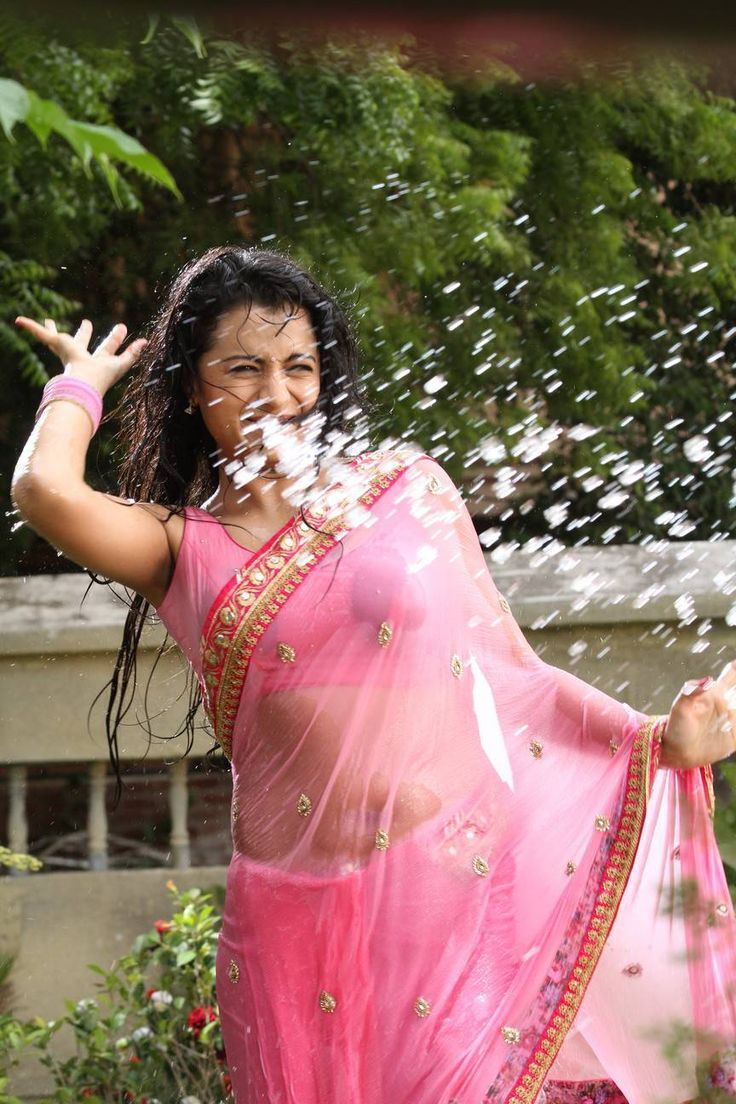 Trisha Latest Hot Bath Transparent Spicy PhotoShoot Images In Pink Saree ★ Desipixer  ★