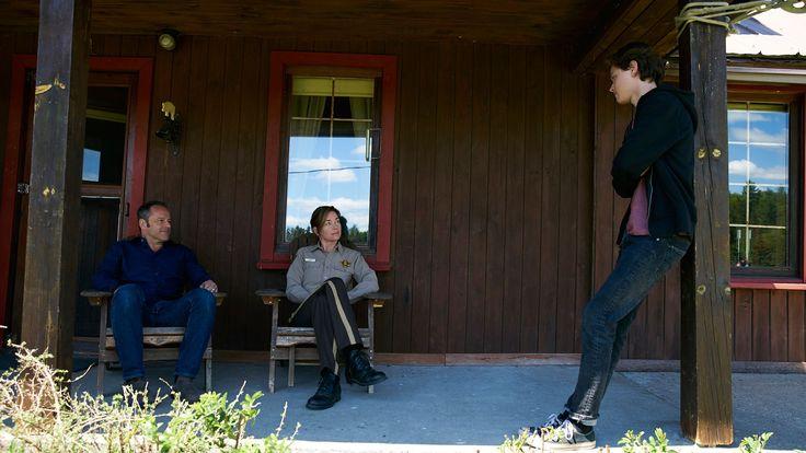 "Gil Bellows (Gabe), Julianne Nicholson (Helen) and Tyler Young (Philip) stars in Eyewitness season 1, episode 4,  ""Crème Brûlée"""
