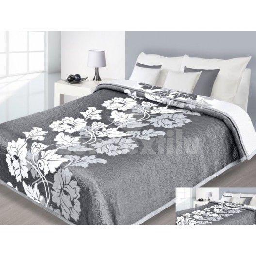 Sivo biely prehoz na posteľ obojstranný s bielym kvetom