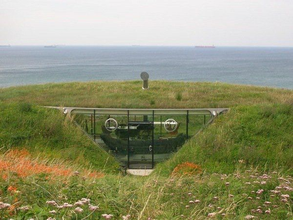 moderne ondergrondse huizen underground house architecutre ideeën glazen wand