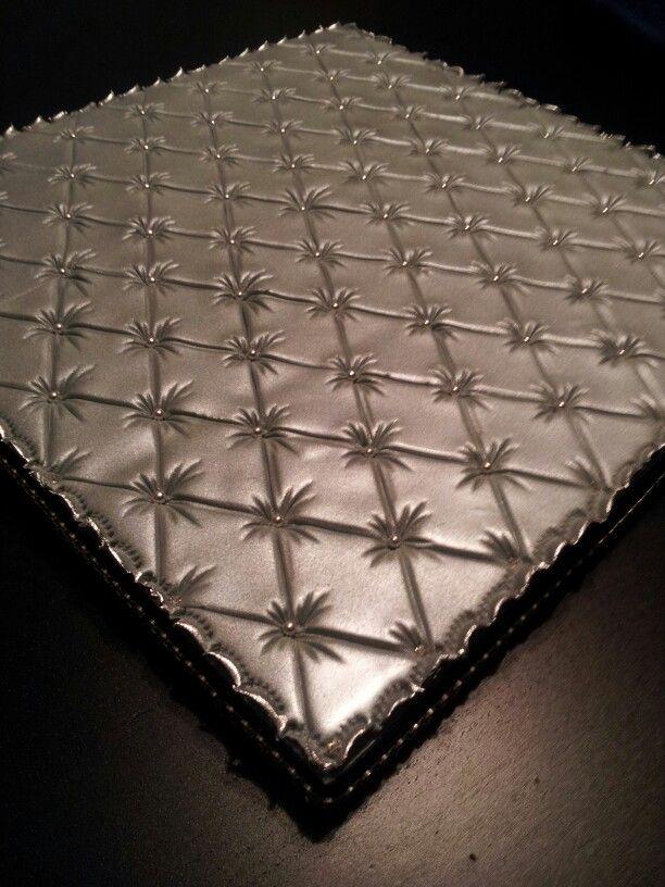 Fondant Cake Board Ideas : Best 25+ Quilted Cake ideas on Pinterest Elegant wedding cake design, Pastel square wedding ...