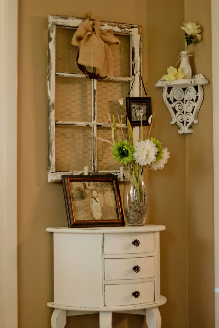 Foyer Mudroom Jewelry : Ideas about small entryway tables on pinterest