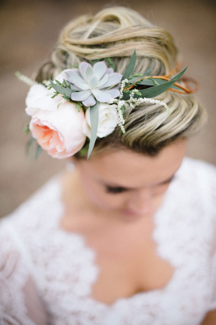 #hair-accessories, #succulent  Photography: Bellamint Photography - bellamintphotography.com  Read More: http://www.stylemepretty.com/2014/09/03/colorado-springs-summer-camp-wedding/
