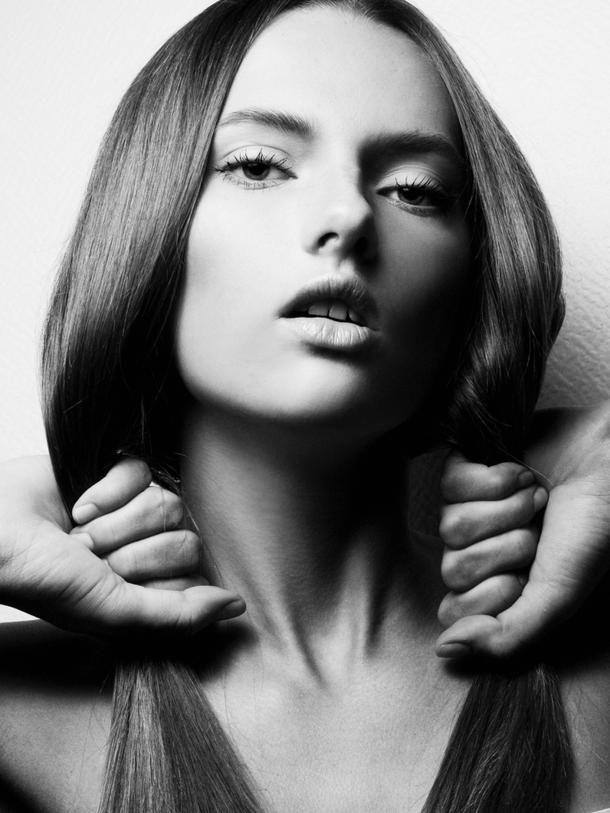 High Fashion Model Face   ... of Veronika Voskarova ...